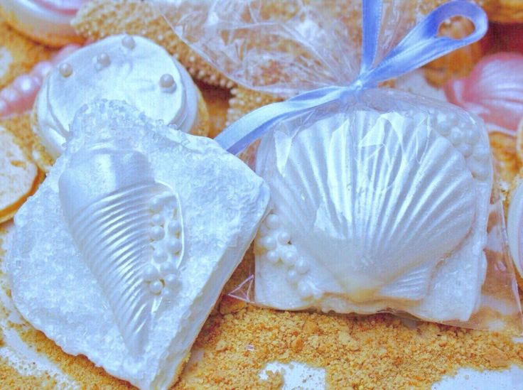 Seashell Chocolate Covered Graham Crackers ~ Beach Wedding Favors Candy ~ Bridal Shower Favors ~ Luau Party Favors ~ Custom Cookies by TaylorsSweetRevenge on Etsy https://www.etsy.com/listing/237190900/seashell-chocolate-covered-graham