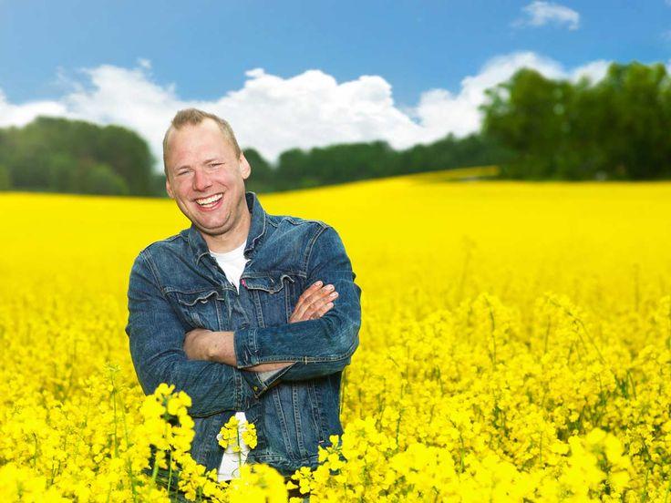 Stefan Hildingsson i årets säsong av Bonde söker fru är Sveriges romantiska bonde. Här är 7 anledningar att älska honom.
