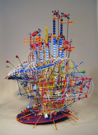 Science - Musique : L'artiste Madame Nathalie Miebach s'empare de données météorologiques d'orages massifs et les transforme en sculptures complexes qui représentent les forces de la nature ...