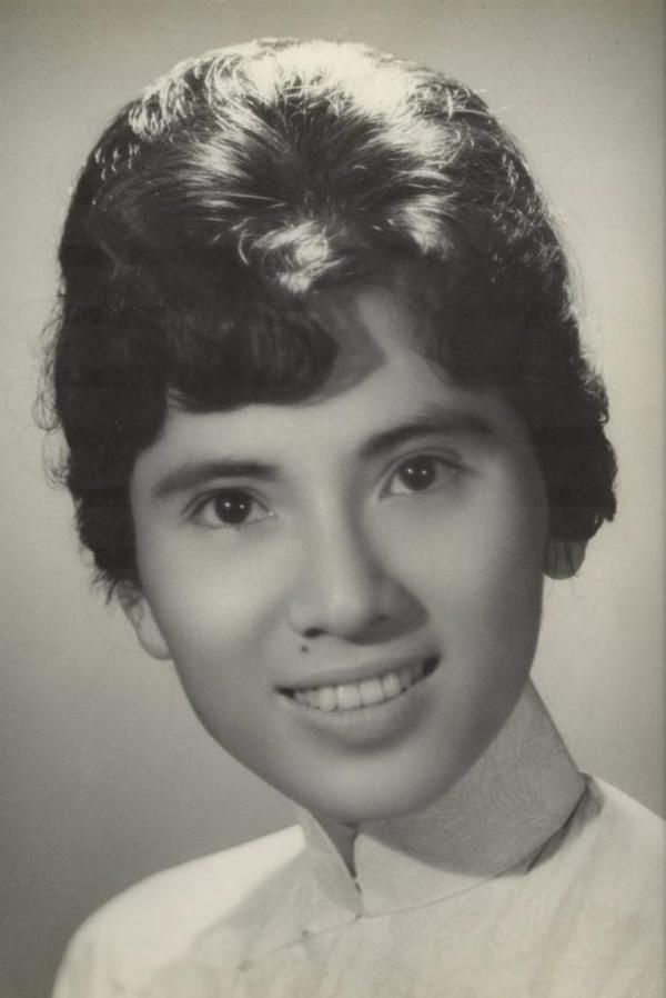 This photo was said to be Mother Teresa at the age of 18 but actually it is a photo of Tran Anh Phuong a Vietnamese resident of Arlington who died in 2008.