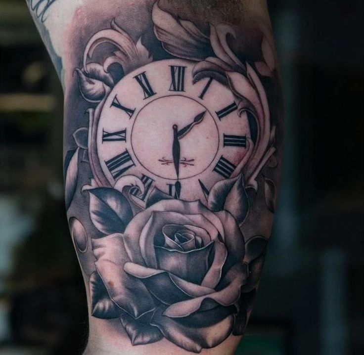 Black And Gray Clock And Skull Tattoos On Bicep: 11987001_10153171089565669_1931961455198041577_n.jpg (740