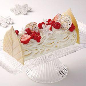 白と赤のコントラストがキュート!【新宿店23日・24日店頭お渡し】【高島屋限定】白い森の赤い実ケーキ