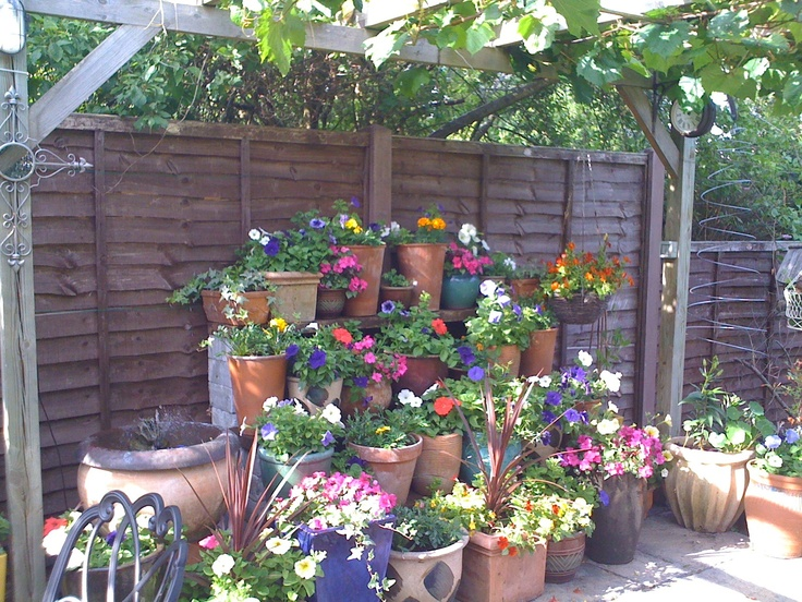 91 best images about funky garden ideas on pinterest for Funky garden designs