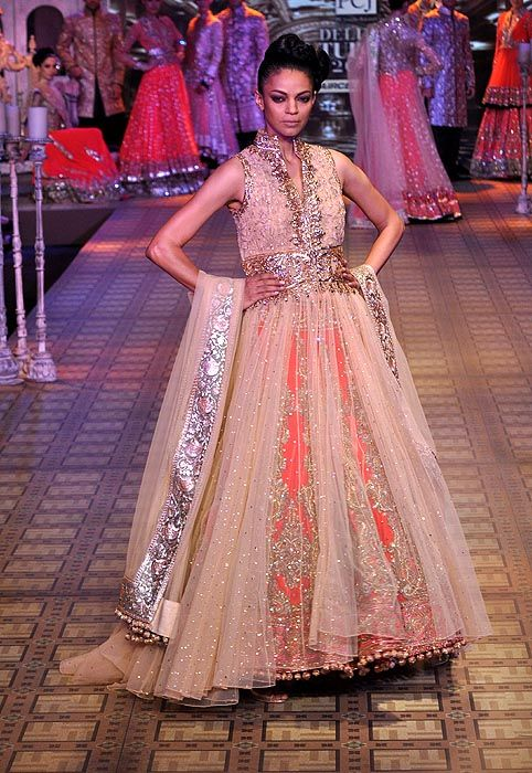 Manish Malhotra- Delhi Couture Week 2012»IndianWeddingSite.com Blog – Real Indian Weddings