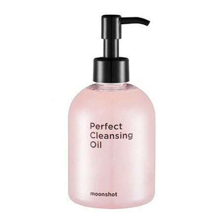 Moonshot - PERFECT CLEANSING OIL  Calendula aurora pink cleansing oil has micro pearl powders that not only cleanses makeup but also reaches the pores to absorb sebum and perfectly cleanses any impurities.