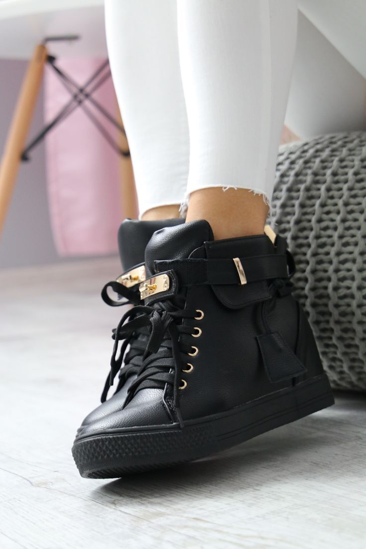 Czarne sneakersy na koturnie <3
