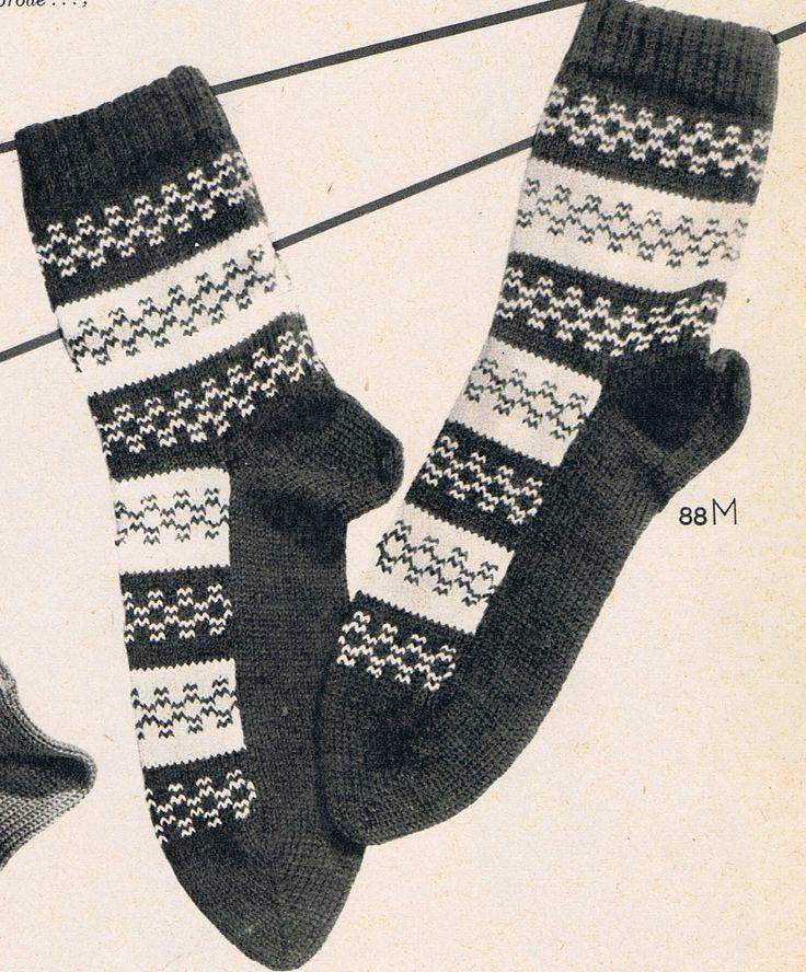 """Jane uit Amerika maakte deze lieve slofjes.     Vandaag zag ik voor het eerst het resultaat van één van """"mijn"""" vintage patronen te..."""
