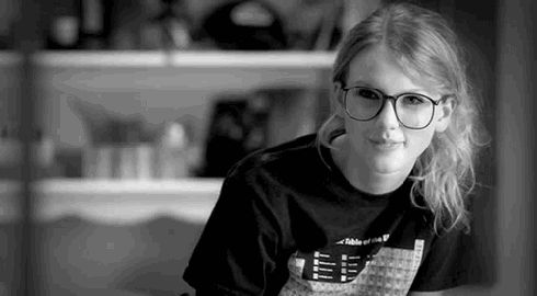 """I got """"Ours""""! Which Taylor Swift Bonus Track Is The Soundtrack To Your Love Life?"""