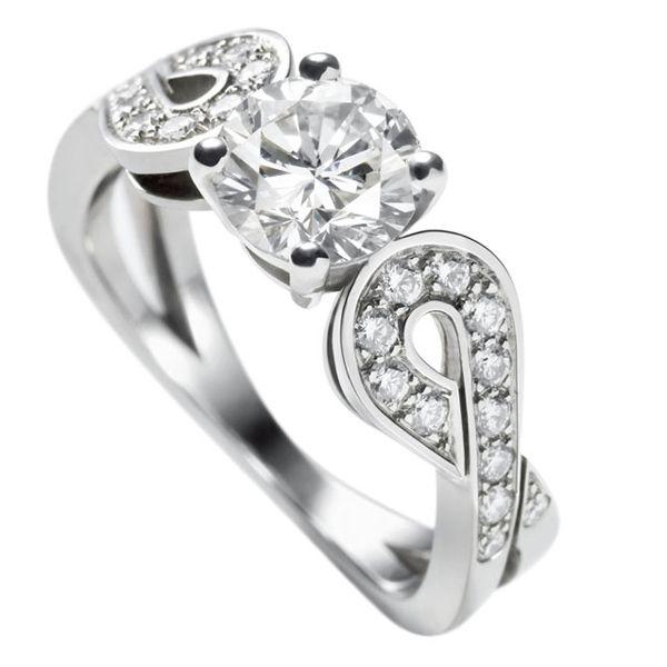 テタテット ソリティア - Van Cleef & Arpels(ヴァン クリーフ&アーペル)の婚約指輪(エンゲージメントリング)ヴァンクリーフアーペルの婚約指輪・エンゲージリングをまとめました!