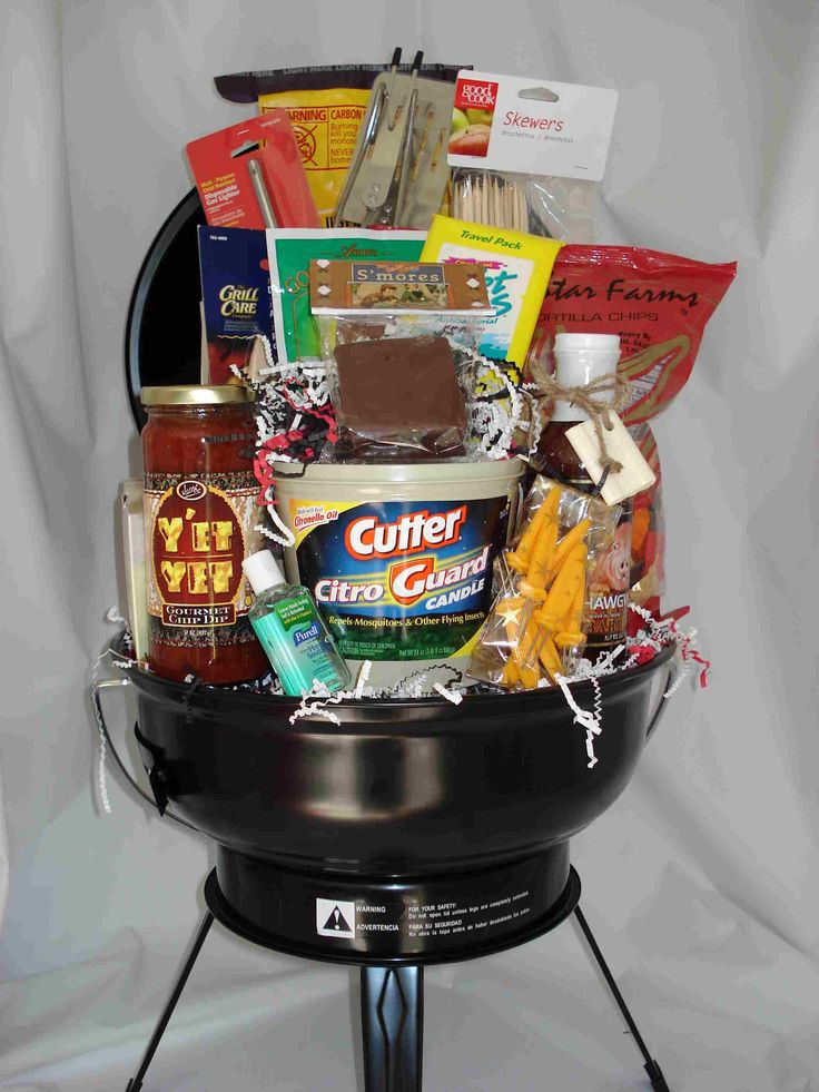 BBQ basket for new homeowners #gifts #newhomeowners #housewarming