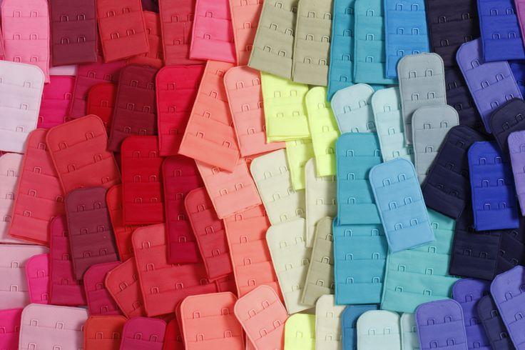 Un arcoiris de colores, ideal para cualquier tipo de brasier #colors #abrochaduras #arcoiris