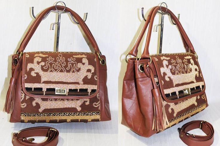Tas Tenun dan Batik bisa dibuat lagi menggunakan kain yang tersedia atau kain pribadi - kirim ke batikria@gmail.com /Whatsapp +62 81310037425