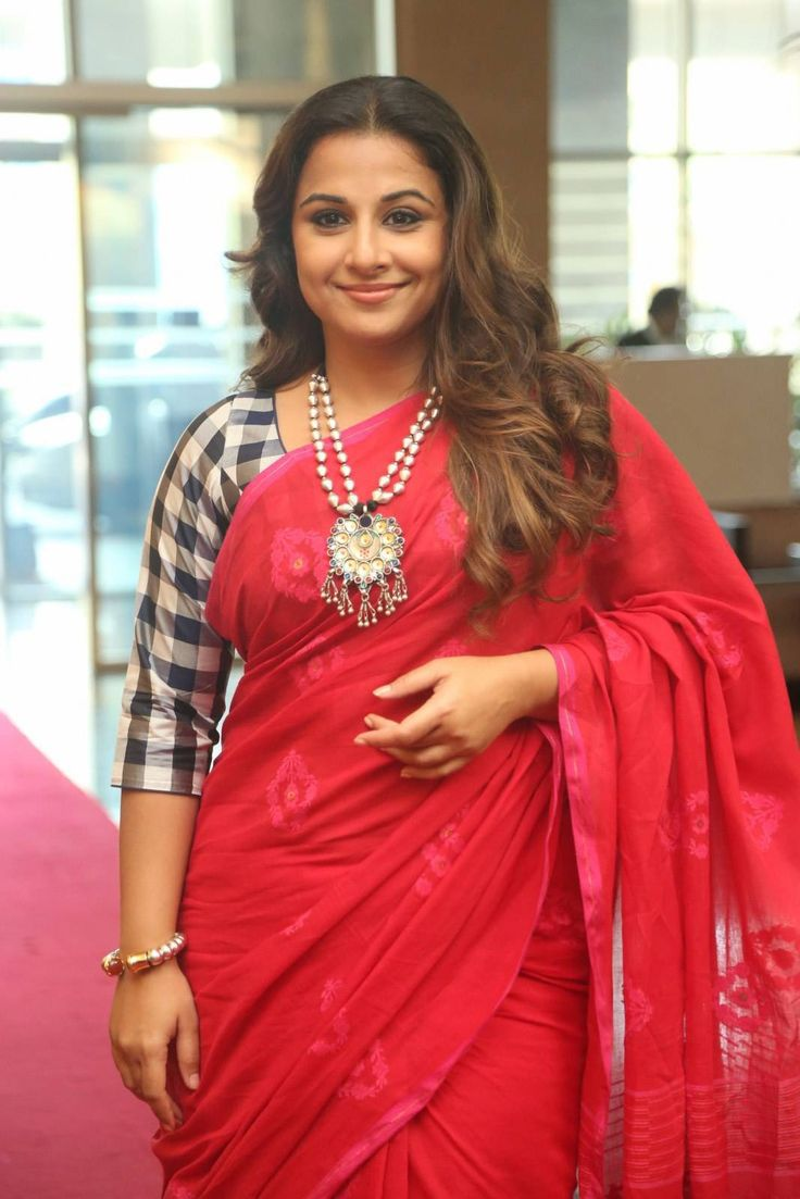 WOMEN IN SAREE PHOTOS: Vidya Balan Latest Photos In Red Saree