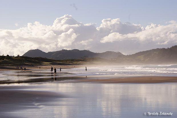 #HotWaterBeach est une jolie plage où vous trouverez des #sources d'eau chaude ! http://www.breizh-zelande.fr/coromandel-stony-bay-hot-water-beach/