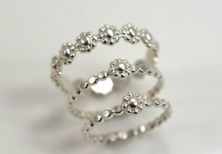 Mother-daughter rings - http://vellety.com/mother-daughter-rings/