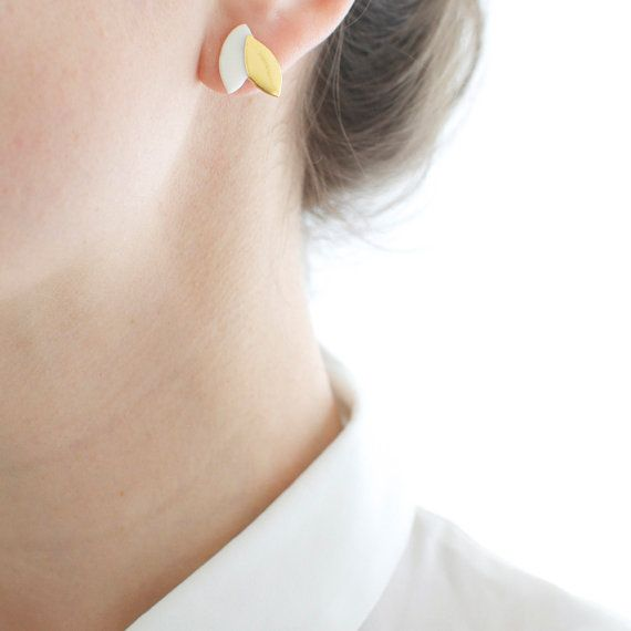 Spring leaves  - Tiny white & gold stud earrings - minimalist earrings - mother day