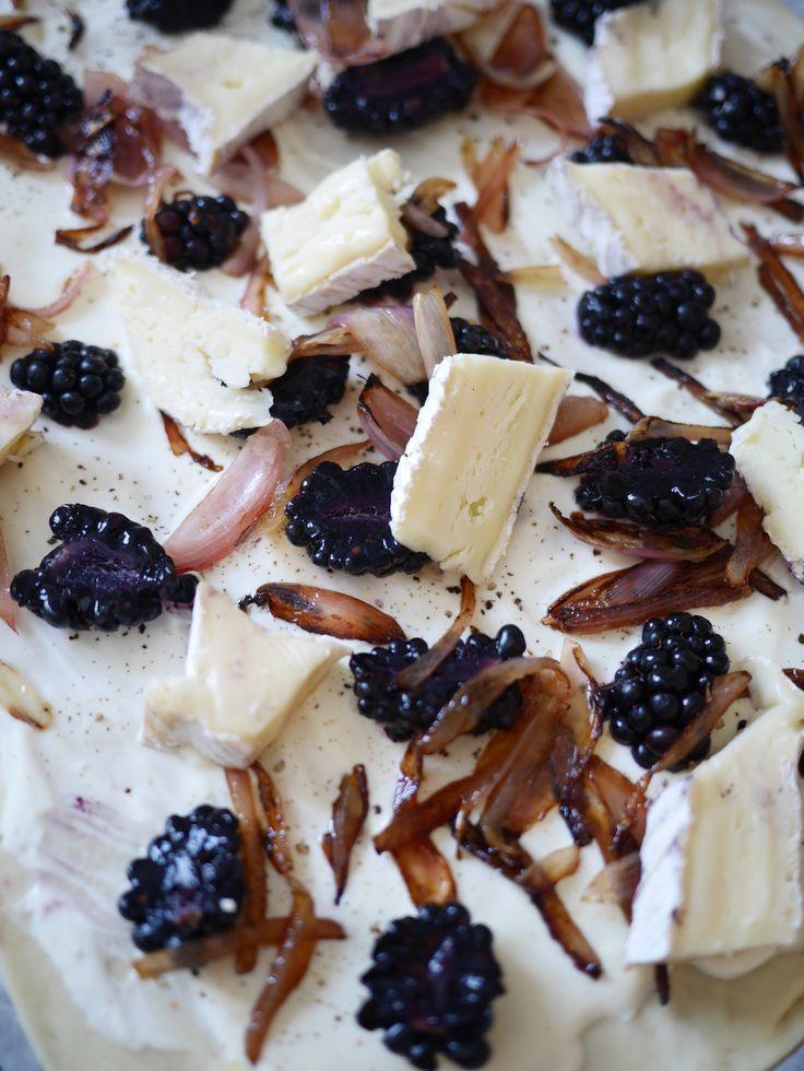 food-blog-cuisine-strasbourg-recette-facile-tarte-fine-brie-mures-romarin