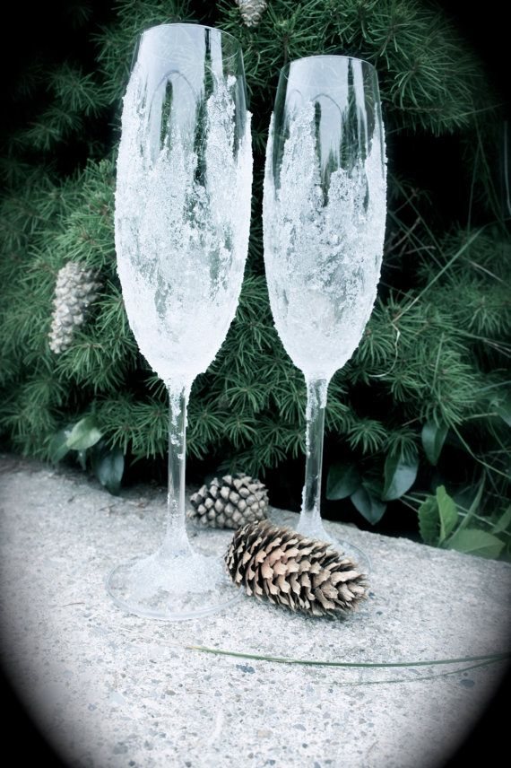 Winter Wonderland Wedding Glasses.Sparkly Champagne by Alantida, $50.00
