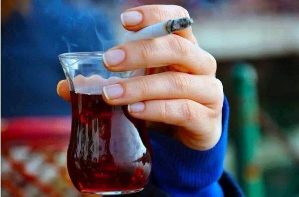 Bir demli çayla kandırdık acıyı…