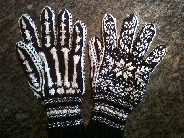 magicneedles' Halloween Gloves