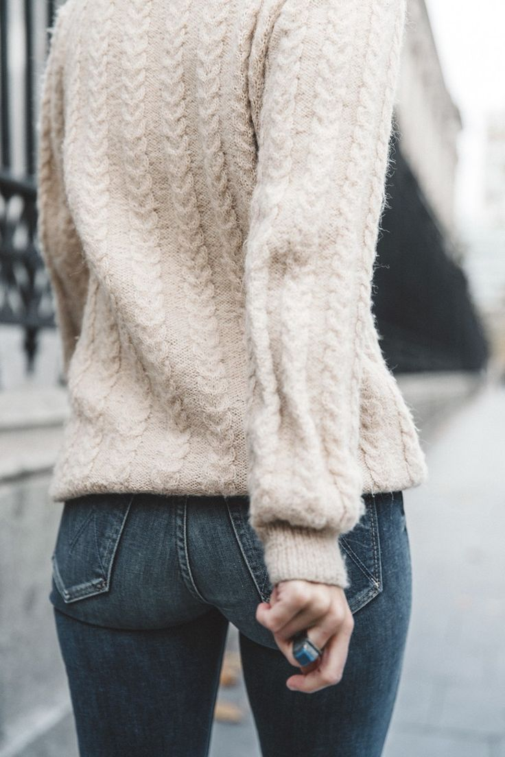 Patchwork_Coat-Faux_Fur_Coat-Asos-Mother_Jeans-Denim-Cable_Knit_Sweater-Snake_Effect_Booties-Topknot-Collage_Vintage-Street_Style-Outfit-41