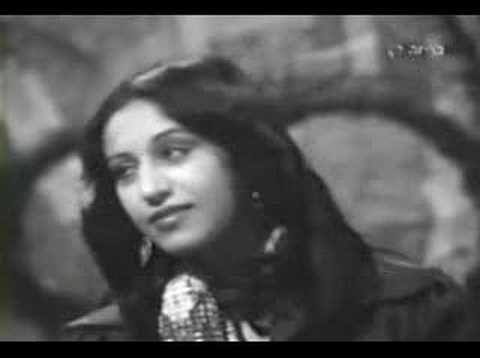 Ofra Haza - Im Nin'Alu [1978] - with Shechunat Hatikva Workshop Theatre - So beautiful.  RIP