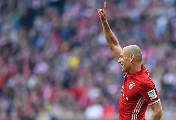 Bayern Munich's Dutch midfielder Arjen Robben reacts during the German first division Bundesliga football match FC Bayern Munich v BVB Borussia Dortmund in Munich, southern Germany, on April 8, 2017. / AFP PHOTO / Christof STACHE / RESTRICTIONS: DURING MATCH TIME: DFL RULES TO LIMIT THE ONLINE USAGE TO 15 PICTURES PER MATCH AND FORBID IMAGE SEQUENCES TO SIMULATE VIDEO. == RESTRICTED TO EDITORIAL USE == FOR FURTHER QUERIES PLEASE CONTACT DFL DIRECTLY AT + 49 69 650050.