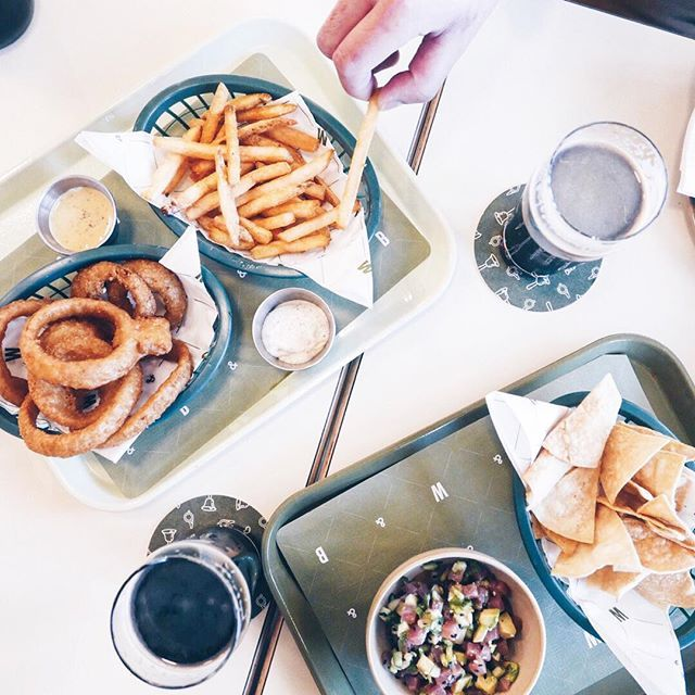 Those are some pretty damn good onion rings and fries! 🍟🌮 @bellsandwhistlesyvr . . . . . . . #instanomss #onionrings #fries #beer #craftbeer #instabeer #beerstagram #beertography #craftbeer #beernerd #craftbeerporn #frenchfries #beerlover #beer
