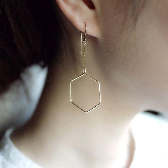 noue : カタチピアス【六角形】