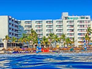 Océano Palace es un magnifico hotel de 4 estrellas localizado en una de las mejores playas de Mazatlán con servicio Todo Incluido para su comodidad ya que contamos con excelentes restaurantes, bares y un gran equipo de animación y deportes que cada noche le presentara un show en vivo espectacular.