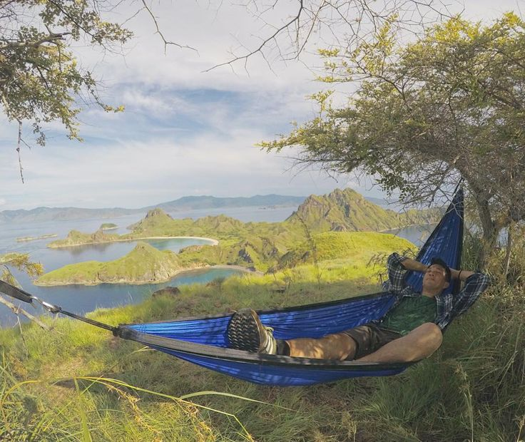 Feel the breeze of the wind under the shade of the trees after 30-45 minutes of hill trekking at Padar Island Komodo National Park. The view from top pays it all!  Photo of @ibenyi #ayoketamannasional #hammocklife #nationalpark #komodonationalpark #tamannasionalkomodo #indonesiatravel #folkindonesia #southeastasia #komodo #komodoislands #sailkomodo #conservation #naturelovers #marinewater #ecoadventures #intothewild #greentravel #ecotravel #sustainabletravel #exploreflores #naturephotography…
