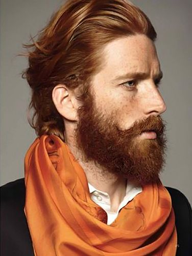 We think our resident redhead Live Eye reporter Greg Harper would look great in this scarf.