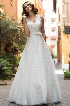 Best 25 Cheap wedding dresses uk ideas only on Pinterest Top