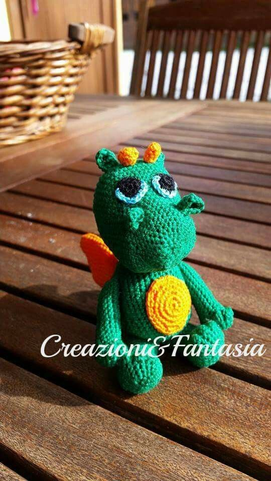 #uncinetto #crochet #amigurumi #handmadewithlove #handmade #handmadeinitaly #fattoamano #artigianatoitaliano #creazioniefantasia  #picoftheday #madeinitaly #artigianato #fattoamanoconamore #accessori #accessories #draghetto #littledragon #grisù