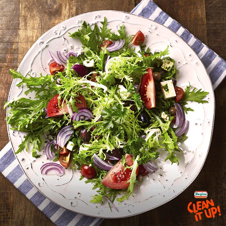 Libera la tua fantasia e prova questo mix di freschissime insalate, quale sarà la tua preferita? :)