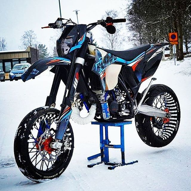Winter is coming 😩⛄ Ktm Exc 125 💪 ----- 👉Owner: @samuel_luoma 📷 Check him out👈 ----- ⚠Follow us @motorfan_xy⚠