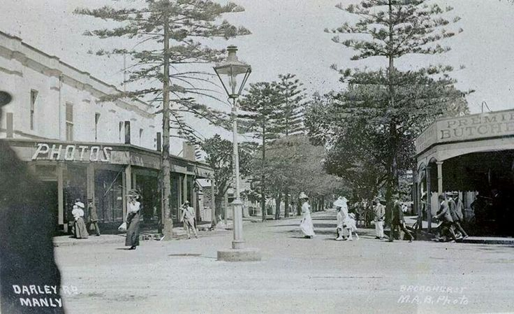 Darley Rd,Manly in the Northern Beaches region of Sydney in the early 1900s.