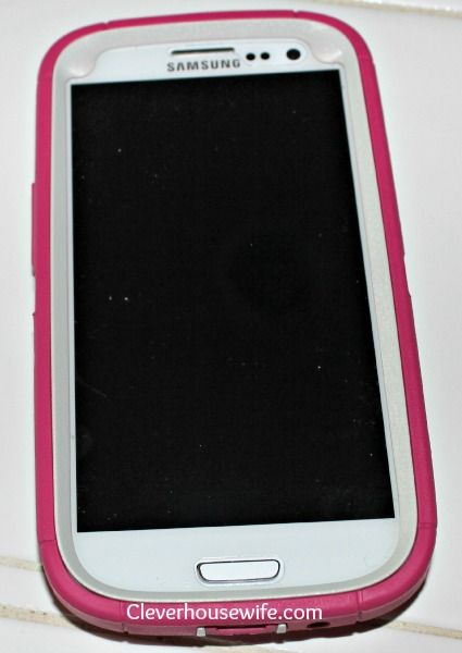 Otterbox Case for the Samsung Galaxy S4, the exact one I have for my phone I love the way it looks
