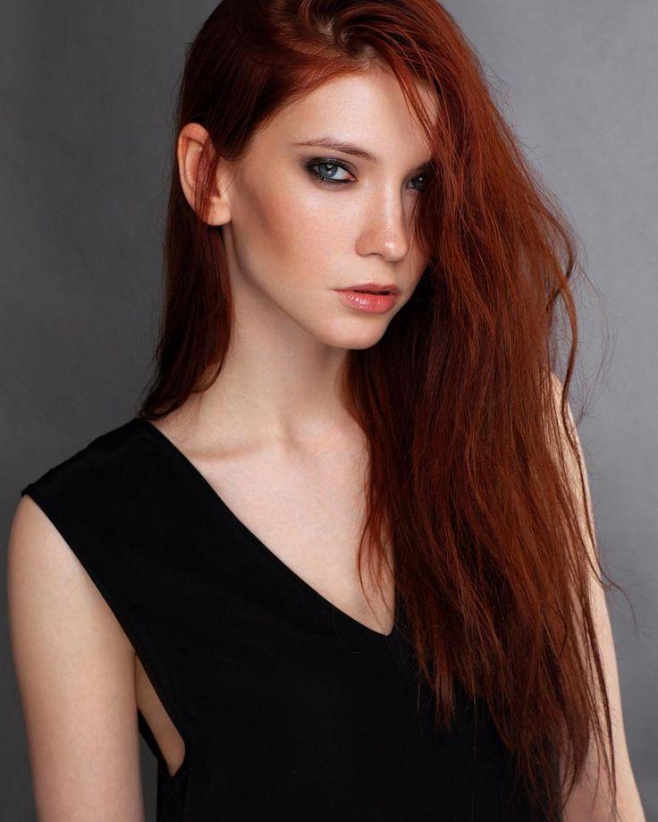 Как же я люблю девушек с рыжими волосами! Есть в них что-то загадочное  модель - @sh_eva  визажист/стилист - @yac_style . #annadeluna #portrait #beauty #redhead #аннаделуна #портрет #бьюти #рыжие #фотограф by deluna_photo