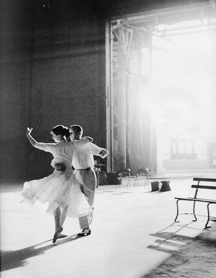 одри хепберн танцует фото критериями выбора салона