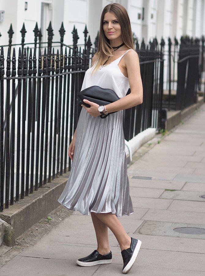 dfd0920f651 C чем носить юбку цвета металлик  33 блестящих образа