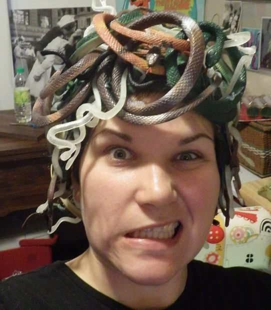how to make a medusa wig with snakes