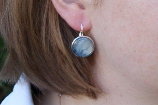 Boucles d'oreilles en peinture et résine