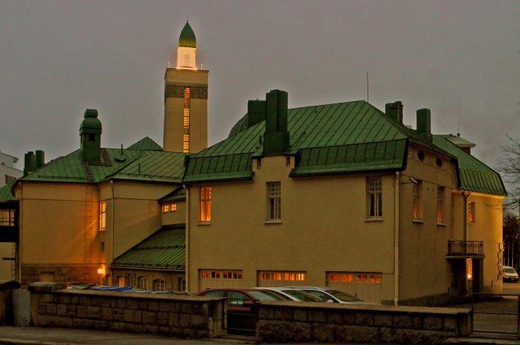 Yövuoro alkanut Tampere, palokunnantalo, ph esko Phil