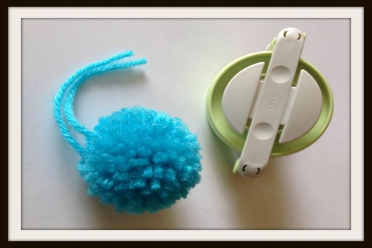 How to use the Clover Pom-Pom Maker. Easy tool to make sure your pom-pom looks GREAT every time htpp://www.LoomaHat.com