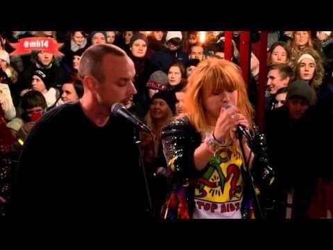 Petter och Linnea i duett - Håll om mig! Live @Musikhjälpen 2014 - YouTube