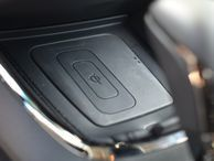 Freescale eyes wireless charging for public places A reference design by Freescale Semiconductor aims to put Qi wireless charging into car consoles and restaurant tables.