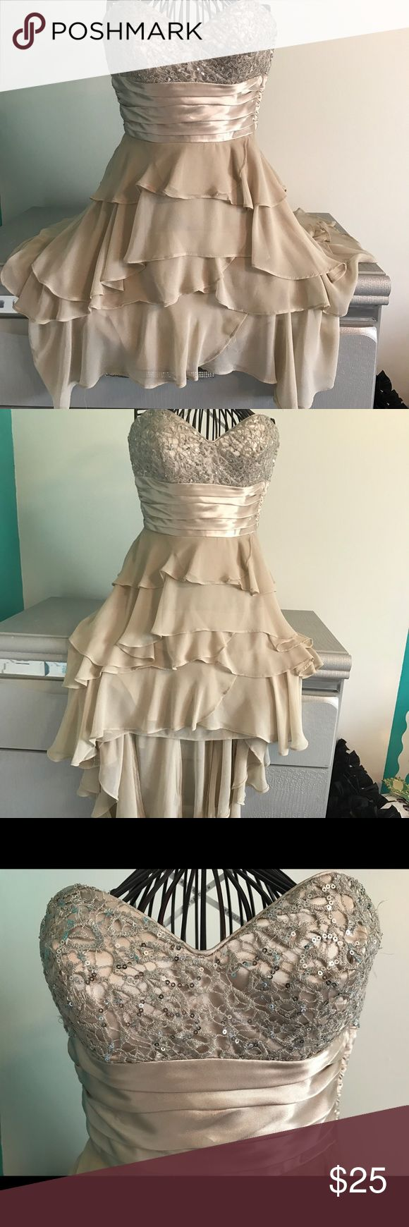 Masquerade high low dress Beautiful champagne color no stains or rips great for prom homecoming weddings quinces... Etc. masquerade Dresses High Low