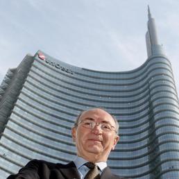 UniCredit, nel nuovo piano taglio di 18.200 addetti (6.900 in Italia). Entro il 2018 target a 5 mld di utili