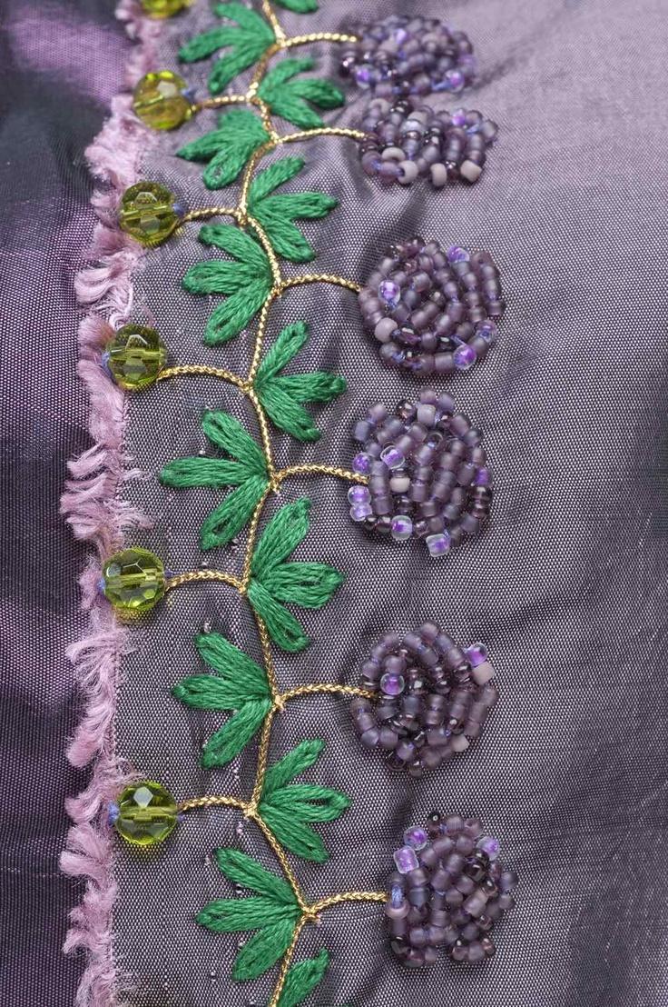 Crazy Quilt. Detalle. Bordado a mano por Carolina Gana. Taller de Bordado Rococó - Santiago - Chile.